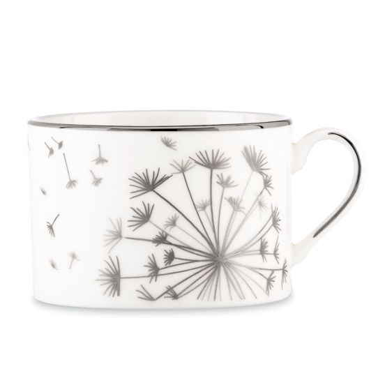 Simple yet effective - really love this and a lovely dainty way to decorate pottery.