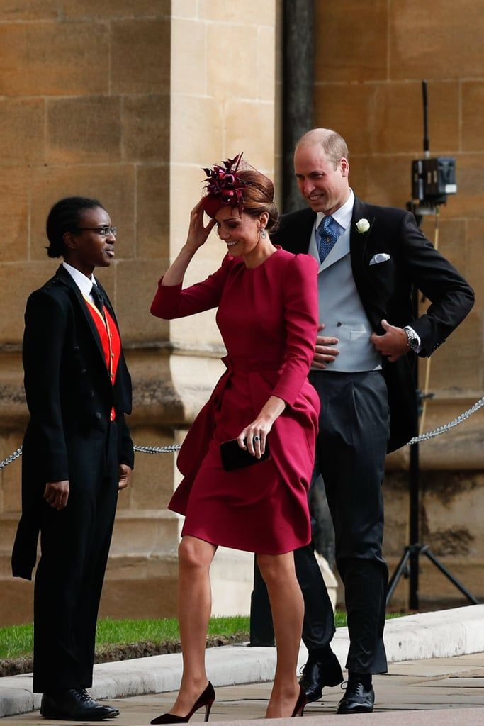 Kate Middleton S Magenta Wedding Guest Dress Is So Dreamy You Might Miss Her Velvet Shoes Princesa Eugenie Moda Kate Middleton Kate Middleton