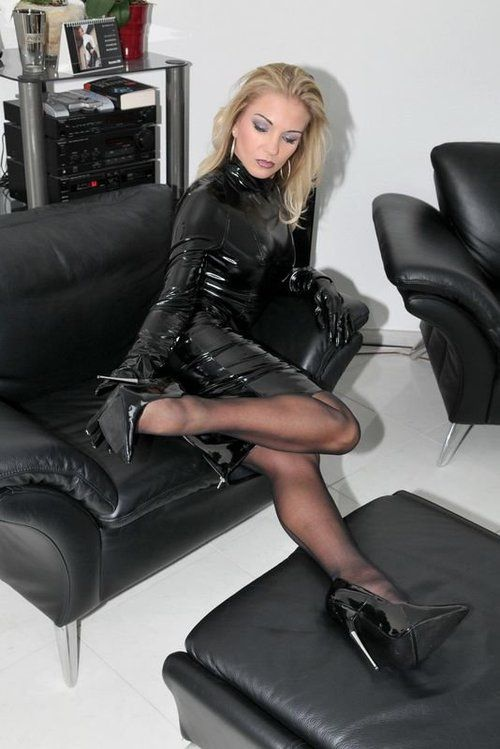 leather latex lack nylons fetish queen pinterest latex leather and stockings legs. Black Bedroom Furniture Sets. Home Design Ideas