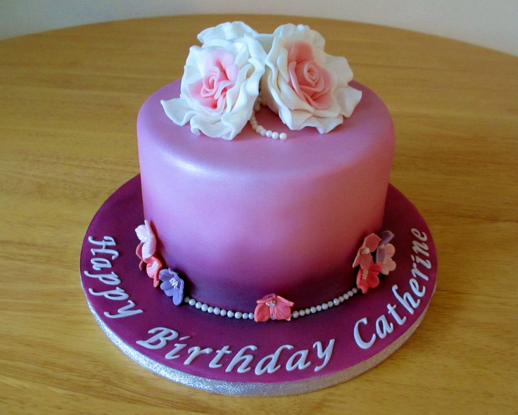 Cake decorating airbrushing