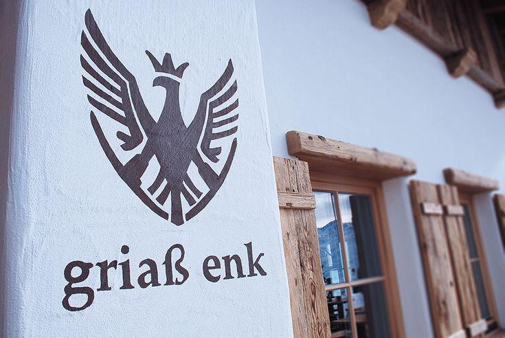 """Herzlich Willkommen und """"Griaß enk"""" in der Heimat für Gastlichkeit, Gemütlichkeit und Genuss! Das Bergrestaurant """"Holzalm"""" liegt in knapp 2.000 Metern Seehöhe und lädt mit einem atemberaubenden Aus…"""