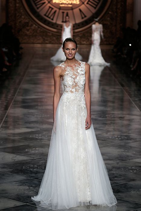 Awesome Designer Wedding Gown from Pronovias Barcelona Bridal Week