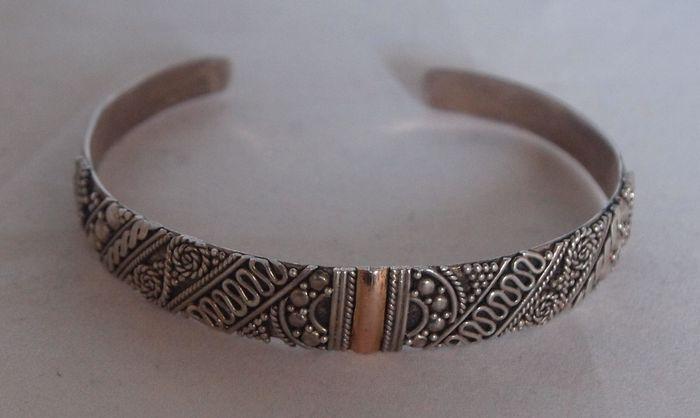 Zilveren en rood gouden Balinese armband - Gemerkt  met zilvermerk; 925