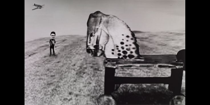 Surtout connu pour ses talents de réalisateur de cinéma, David Lynch est aussi musicien, designer, graveur… et photographe.Une exposition à découvrir rapidement avant le 16 mars 2014.