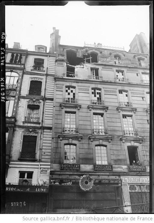 23/24 mars 1918, bombardement de Paris à longue portée, rue de la Lune [2e arrondissement] : [photographie de presse] / [Agence Rol] - 1