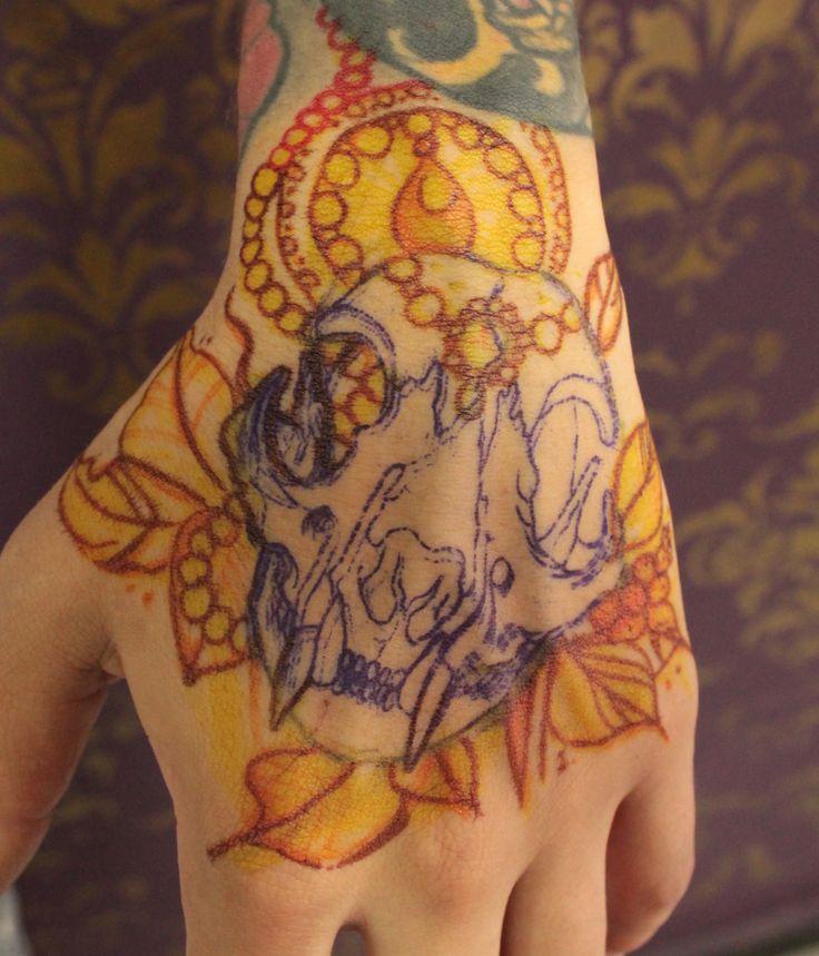 Freehand.  #freehand #tattoo #handtattoo #cat #skull #catskull #caromontoyatattoo