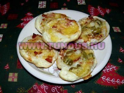 Hagymás, olívabogyós csiga levelestésztából recept fényképe, fotója