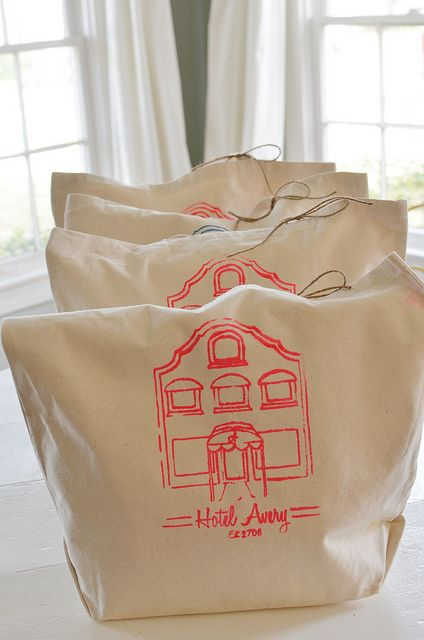 tote bags for hotel party super cute. I am doing this for my party