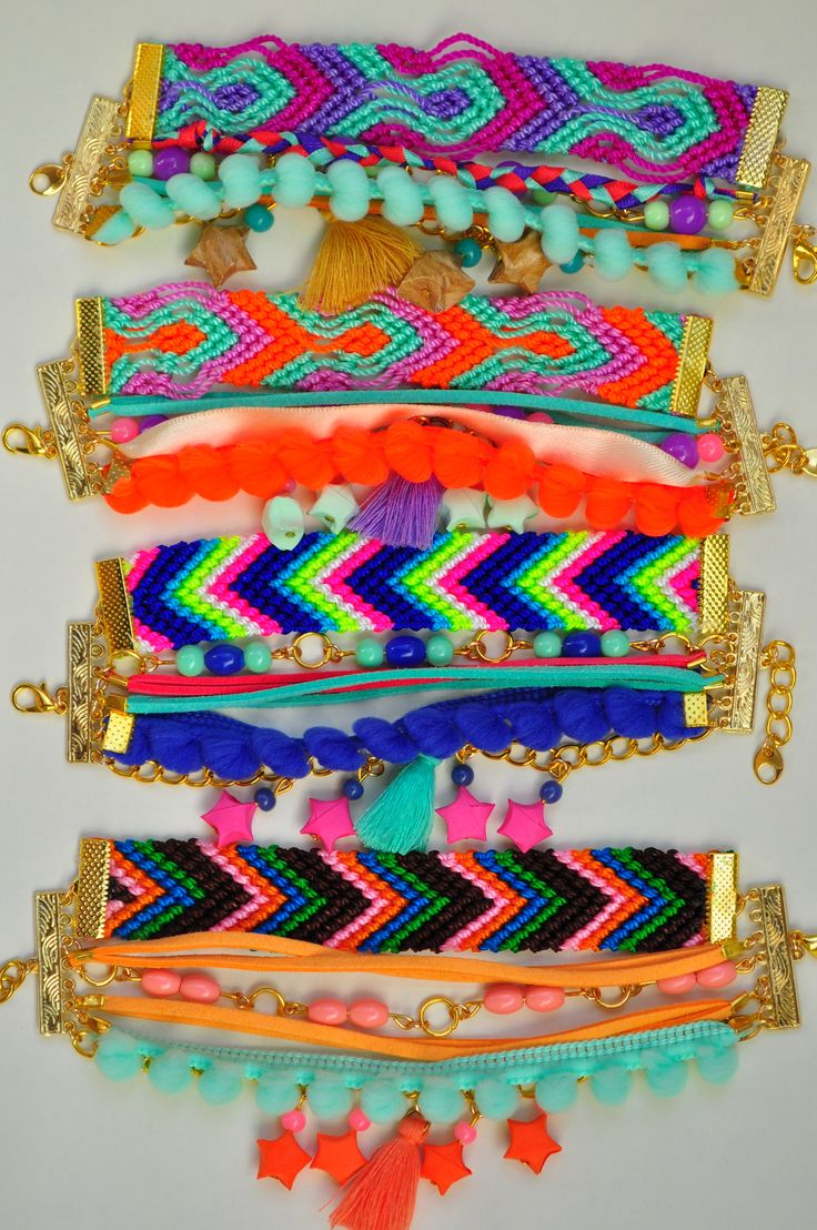 Verano Hippie Chic, pulseras múltiples macramé + origami. Seguinos en www.facebook.com/KiObjetosDeOrigami