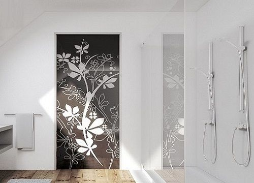 Glass pocket door system with Syntesis Flush Frame and 10mm tempered 'Jungle' glass door. #pocketdoors #interiors #glassdoors #bathroom