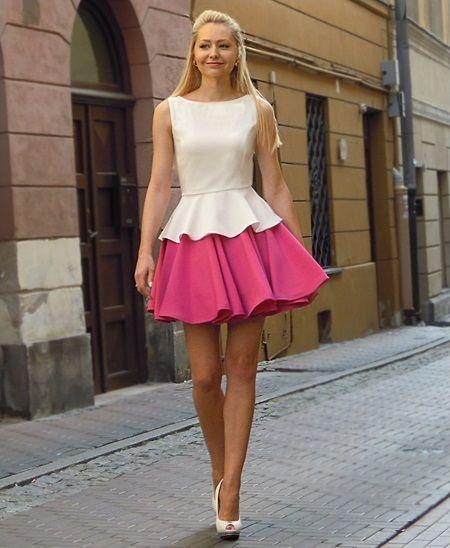 Model: BALZA Szyta na miarę sukienka to zestaw bluzki i spódnicy dostępny w kilkunastu kolorach. Zamówisz ją na http://www.lelabbrafashion.com/projekty/cala-kolekcja/sukienki/balza/