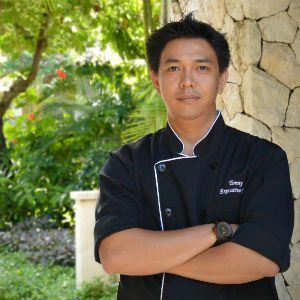 Sudamala Resorts has appointed Chef Tonny Kwan Lawrence as Executive Chef for Sudamala Suites & Villas, Sanur. In a career spanning fifteen years, Jakarta-native Chef Tonny has racked up an impressive list of appointments in luxury resorts throughout the world, proving himself as a rising star on the culinary stage and making him an ideal appointment for Sanur's premier art-inspired resort, Sudamala.  #sudamalaresorts #sanur #bali #chef #aressteakandpasta