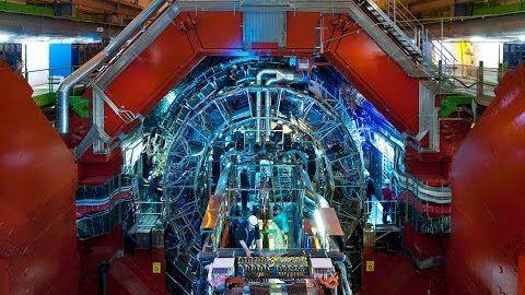 Large Hadron Collider: Sie kollidieren wieder - fast mit voller Wucht - Golem.de