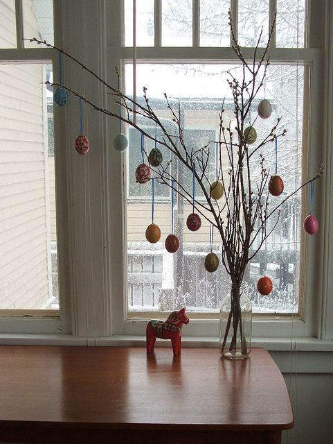 Easter Egg Tree. We had one of these when I was growing up, I want another one someday!