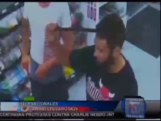 Hombre Con Una Barra Incrustada En El Cráneo Pide Ayuda Tranquilamente #Video