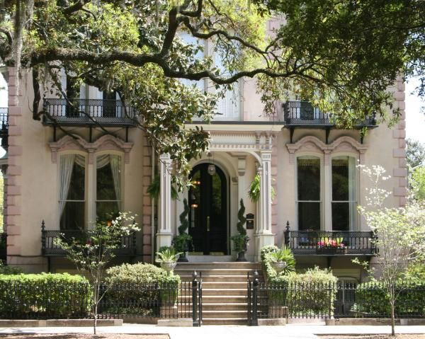 Savannah, & tour the southern plantation houses.: Houses, Sweet, Style, Beautiful Homes, Exterior, Dream Homes, Dream House, Architecture, Place
