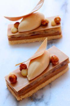 Banana-Coffee Dulcey-Tart, by Patisserie Rhubarbe. (Biscuit sablé vanille, ganache dulcey-café, compoté banane, chantilly dulcey, noisettes caramélisées)