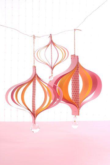 טיפות של נייר ( צילום: אירית זילברמן )Paper rain drop decorations for Sukkot, Sukkah
