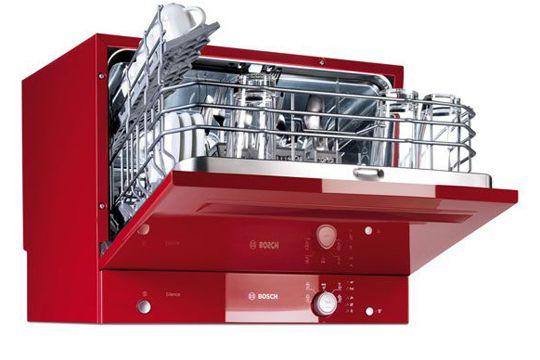 Un lave-vaisselle mini et trendy Mensurations de rêve (H 45 x L 55 x P 50 cm) pour ce lave-vaisselle 6 couverts  En savoir plus sur http://www.cotemaison.fr/electromenager-maison/diaporama/petite-cuisine-cherche-electromenager-maxi-fute_5784.html#xLFVhK738G1FmlRd.99