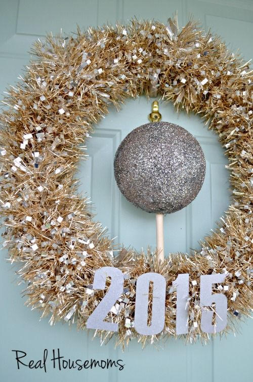 DIY New Year's Decorations: New Year's Eve Wreath