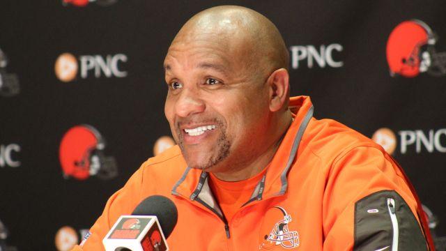 Browns say coach Hue Jackson's job safe despite 0-10 start