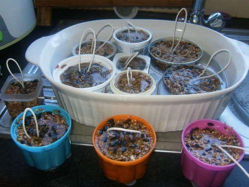 how to make fat ball bird feeders bird feeders homemade. Black Bedroom Furniture Sets. Home Design Ideas