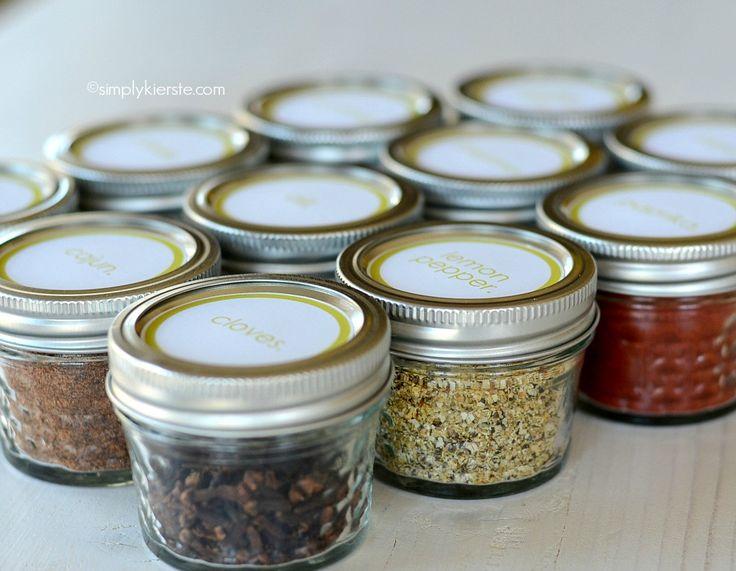 Mason Jar Spice Containers | simplykierste.com