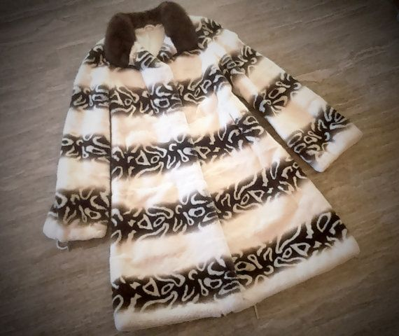^^^ Free international shipping ^^^    A brand new handmade Rex fur coat with Saga mink collar. It is made from full skins and has been sheared. It is