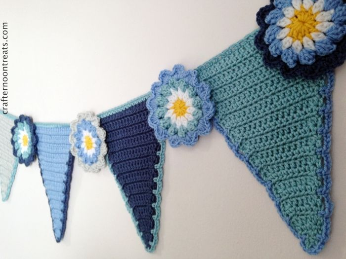 Crafternoon Treats crochet pennant bunting tadah008