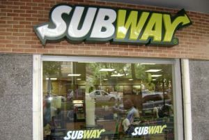 Fast food giant Subway has removed pork products from 185 stores in the UK, where it will also use only halal meat in a bid to appeal to Muslim customers. Turkey and turkey rashers will be used instead of ham and bacon, it said. Islam requires Muslims to only eat meat prepared according to halal […]