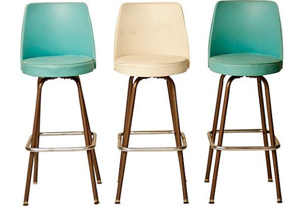 These Pink And Aqua Vintage Bar Stools Are Gorgeous