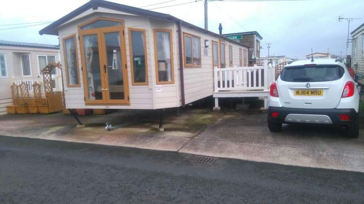 Brand new static caravan for hire with 3 bedrooms on Golden Gate Holiday Centre, North Wales