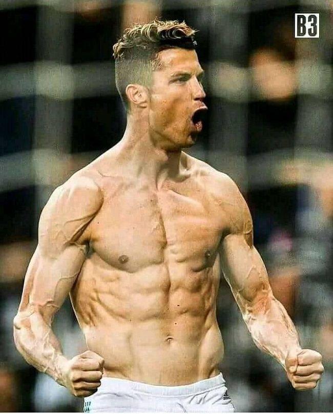Ronaldo Muscle : ronaldo, muscle, Cristiano, Ronaldo, Koszulki, #pilkanozna, #piłkanożna, #futbol, #sport, #sports, #football, #s…, Shirtless,, Body,, Shirtless