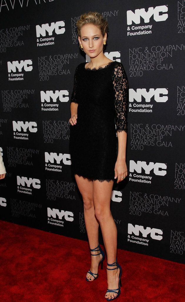 gah she's so model chic. always looking so gorgeous. Leelee Sobieski