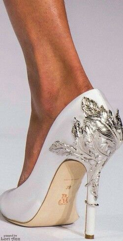 Creative heels metall