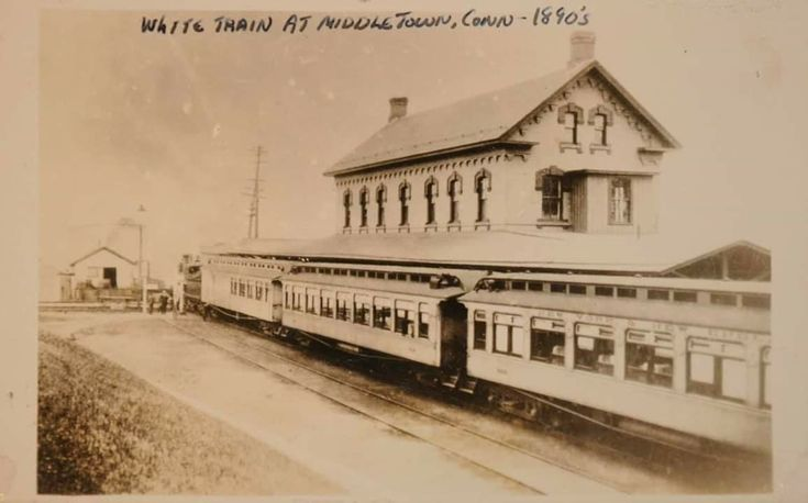 The New York Boston White Train In Middletown Connecticut On The New York And New England Railroad 1890 S New England Paris Skyline Middletown