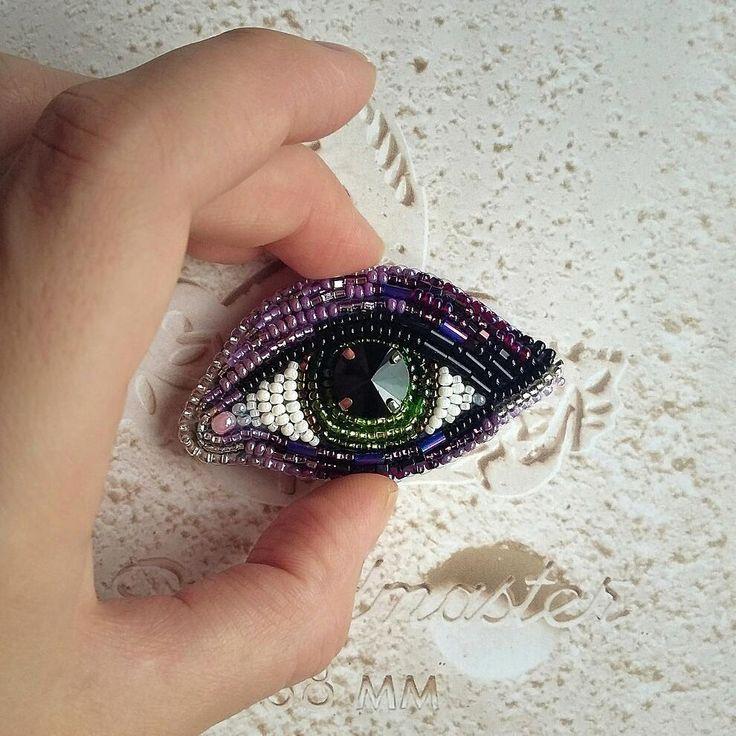 Новый зеленый глаз. Именно зеленые пользуются большой популярностью! _______________________________ #брошьглаз #брошьназаказ #брошьназаказмосква #спб #сделановспб #ручнаяработа