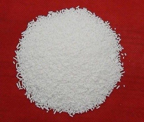 Khái niệm Sodium lauryl sulfate (SLS) hay còn gọi làSodium dodecyl sulfate (SDS) là chất bộtcó màu trắng, nếu ở dạng lỏng thì có màu vàng nhạt, mùi nồng.