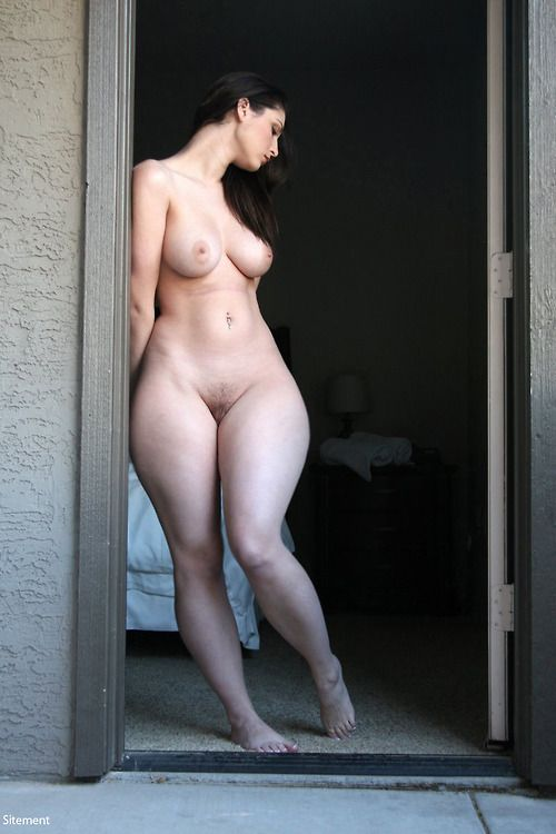 nude-perfect-figure-girl