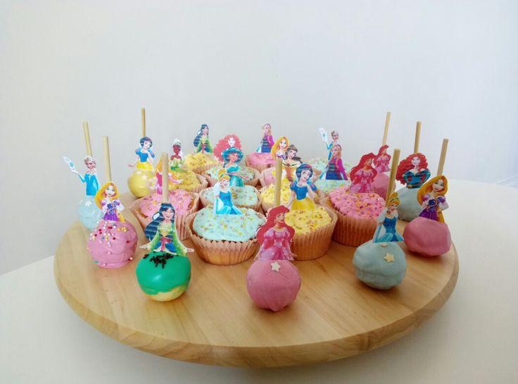 Cupcakes & cakepops Disney Princess by me