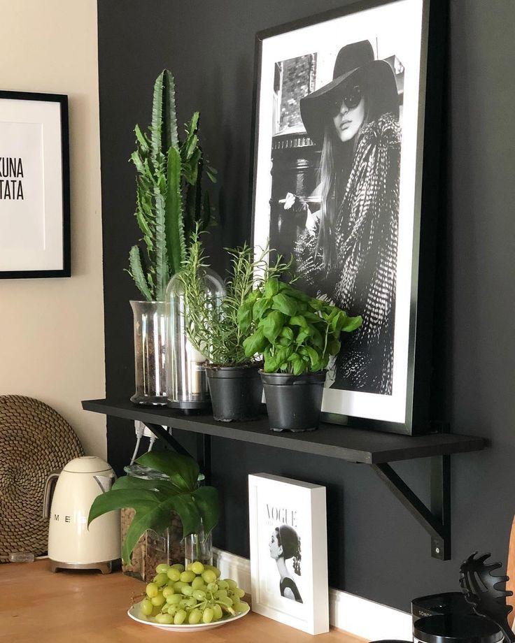 🌾 Urban Jungle Vibes🌾 – hübsches Grün schafft eine Atmosphäre zum Wohlf… #wohnzimmer
