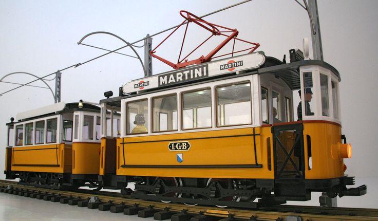 LGB 2035 & 3500 G Scale Yellow Trolley & Trailer Train Set + 2 each 3 LED drop ceilings 3-30 DC or DCC
