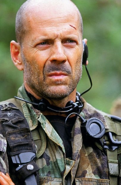 Lieutenant A.K. Waters - Bruce Willis   in Tears of the Sun