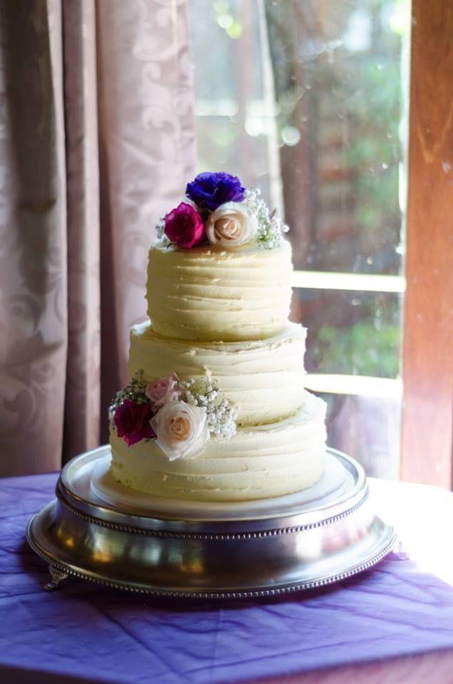 Sarah and Si's wedding cake