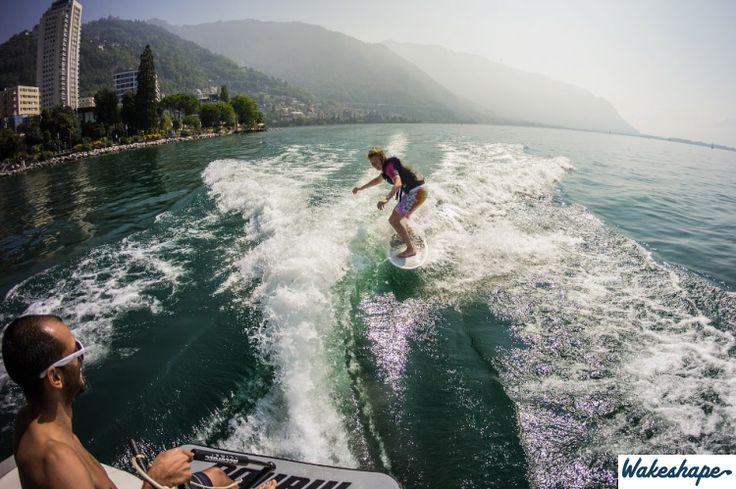 2010 Malibu Wakesetter VLX Port Surf Wake #wakesurfing #wakesurf #malibu #vlx #wakeshape