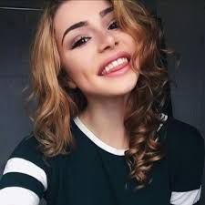 ((FC: Kristen Hancher)) Hey I'm Kristen, but you can call me Kris for short. Anyways.... I'm 18 and single and looking!! I'm a social media star and a dancer/gymnast! Introduce?