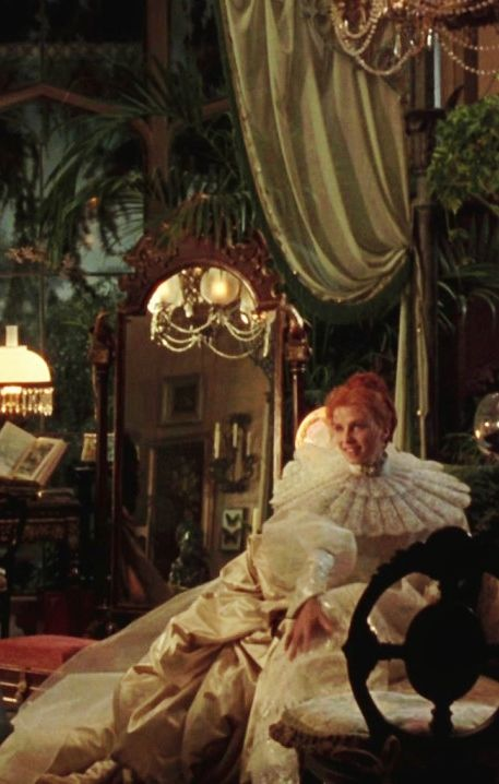 How does Dracula reflect on Victorian era?