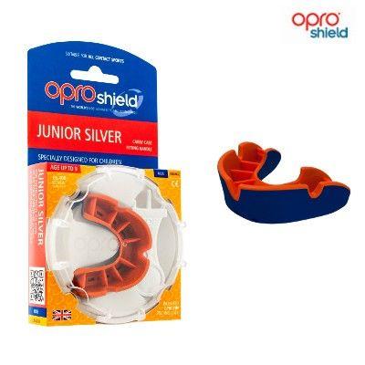 Opro Junior Silver är en av modellerna i Opro's sortiment av välsittande perfekt formade tandskydd.