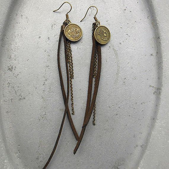 Free Spirit - Earrings Free Spirit - leather straps with brass coin and brass chains