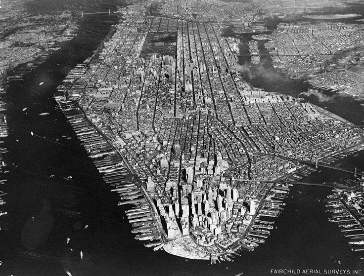 Aerial view of New York City, looking north, on December 16, 1951. (Courtesy NYC Municipal Archives)